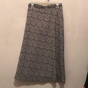 Dresses & Skirts - Interesting black and white pattern skirt.